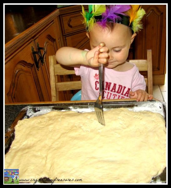 Fun in the kitchen with children, baking bread with children, quick breads, Indian bread, First Nations bannock recipe, photo