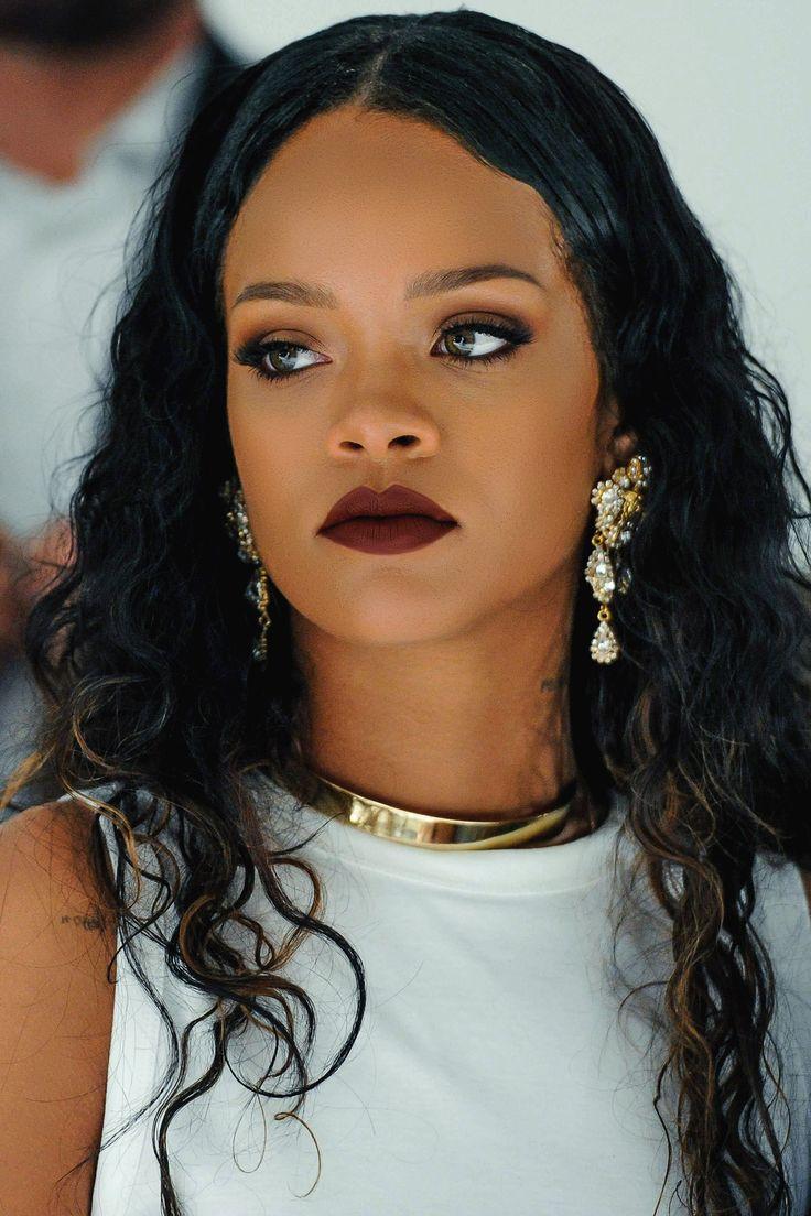 Rihanna🎈 | BBs Vs. The World in 2019 | Rihanna, Rihanna ... Rihanna