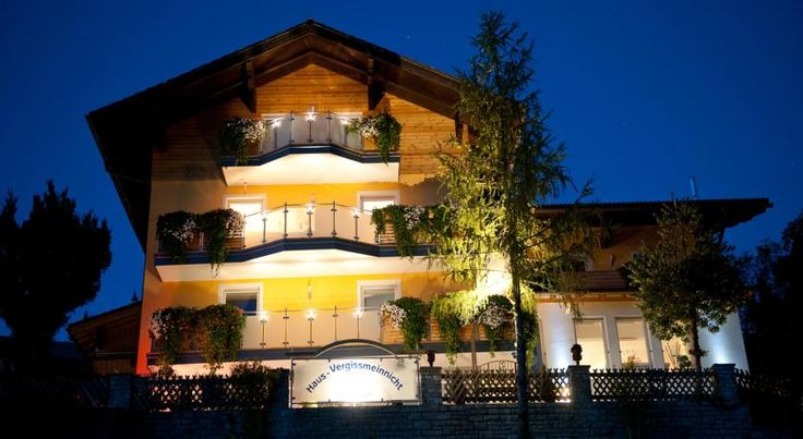 Situated 7 km outside of Abtenau, Apartmenthaus Vergissmeinnicht enjoys a sunny location.