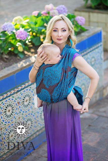 Babywearing in a wraparound: feminine, beautiful, elegant