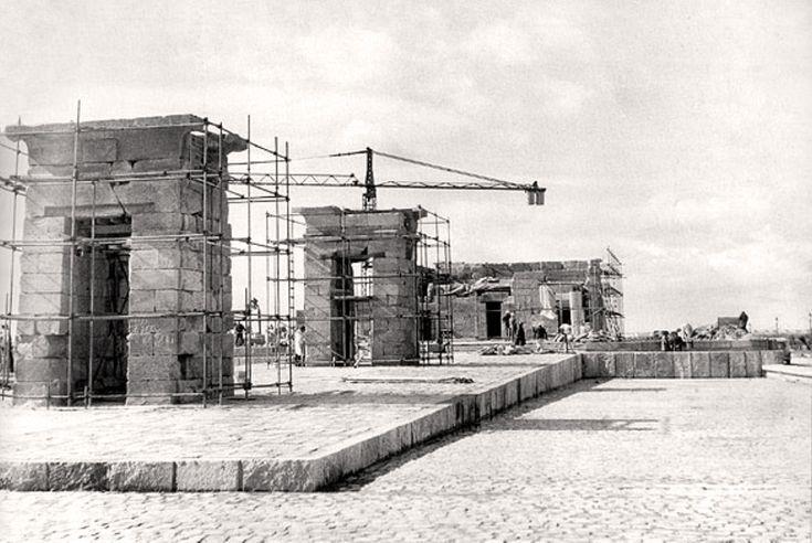 Construcción del Templo de Debod, 1970  - Portal Fuenterrebollo