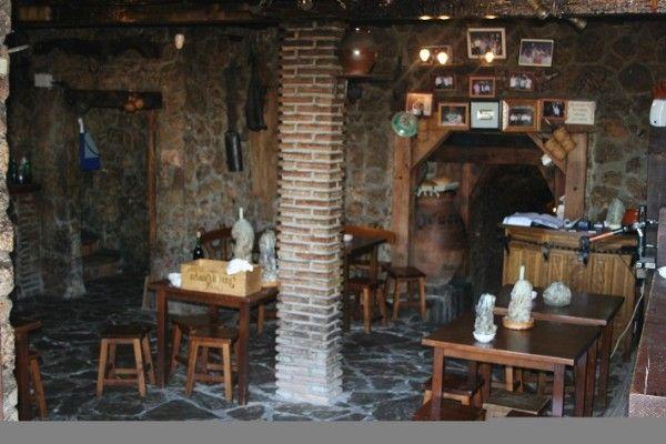 El Bodegon de Olivares bodega y cuevas tipicas de El Molar