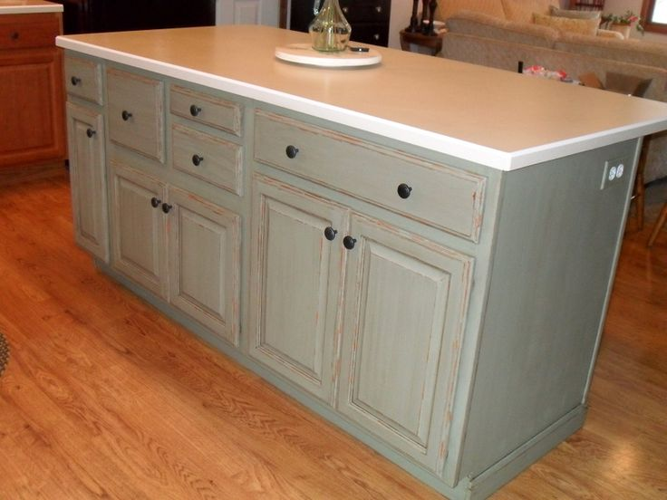 Painting my kitchen island with annie sloan chalk paint for Is chalk paint durable for kitchen table