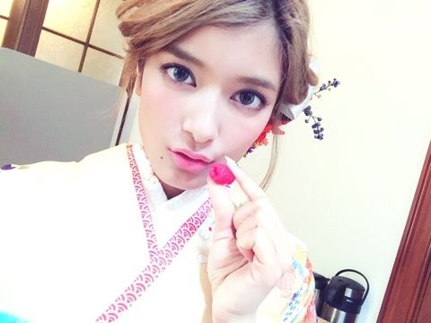 「 Helloー!おおさかー!! 」の画像|ローラ Official Blog Powered by Ameba|Ameba (アメーバ)