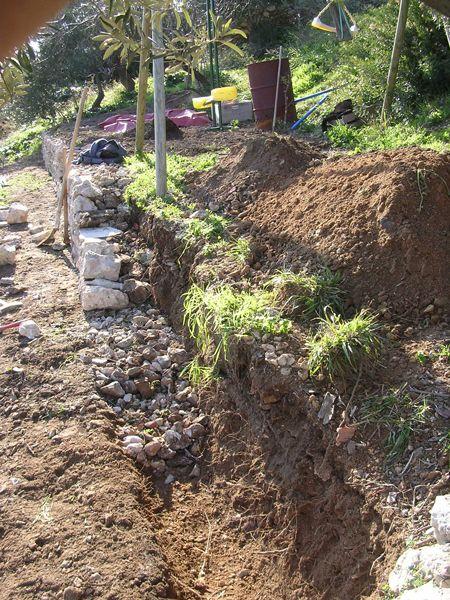 Le drain dans la maçonnerie du mur en pierre sèche - Louis cagin