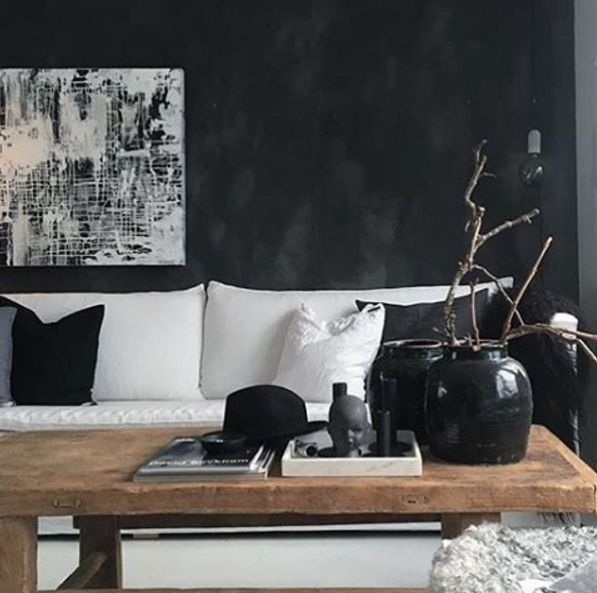 Dark and delicate Fresco wall in the beautiful home of @runeaas Color is Pure & Orginal - Fresco-Black Truffle