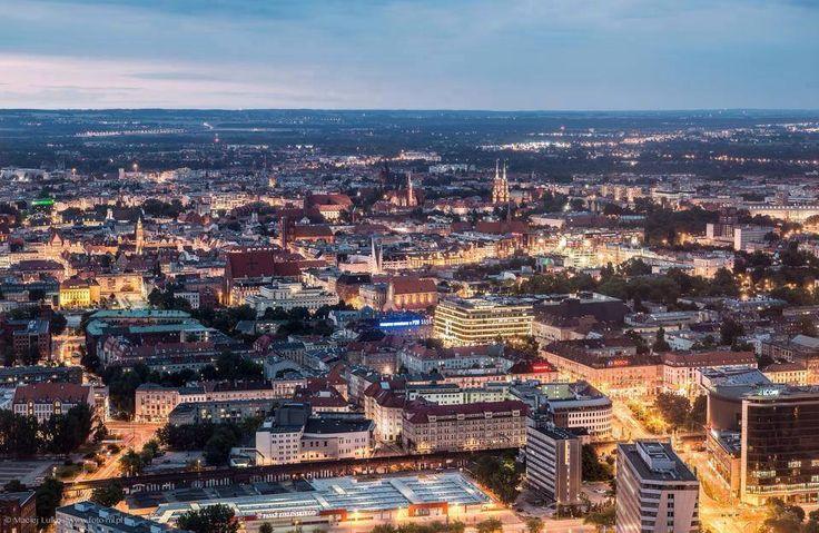 The Best of Poland  - takie widoki tylko ze Sky Tower   Pamiętajcie, że do końca października za każde wydane 100 zł na zakupy w Galerii Handlowej odbierzecie darmowy bilet na Punkt Widokowy Sky Tower  Wrocław. Foto: Marcel Starzyński