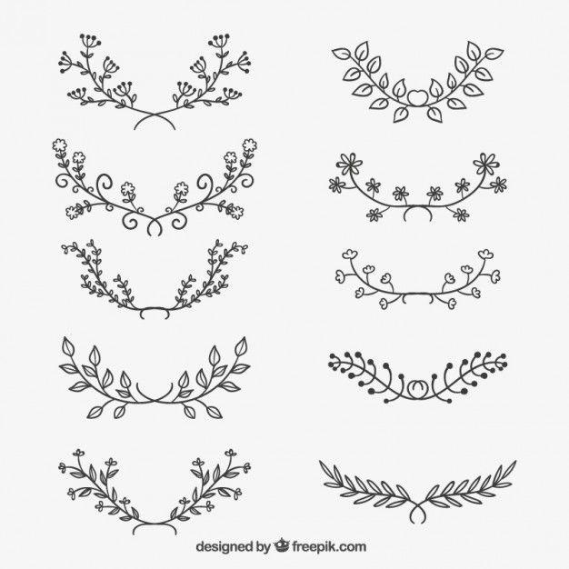 Variedade de esboçado ornamentos florais Vetor grátis