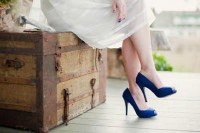 Яркая обувь невесты
