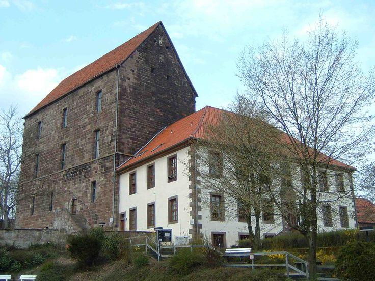 Burg_Hardegsen_3.jpg (2048×1536)