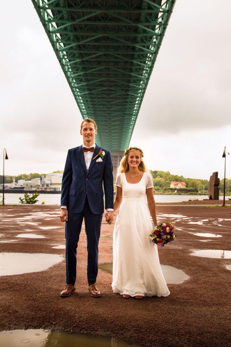 Svenskt bröllop en regnig dag i maj. Swedish wedding