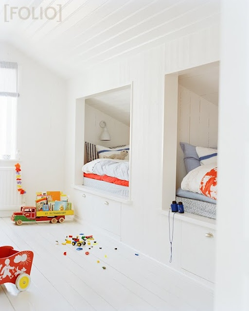 bed in the wall idea for country house dormers: Kids Beds, Idea, Bunk Beds, Attic Spaces, Attic Rooms, Bunk Rooms, Beds Nooks, Built In Beds, Kids Rooms