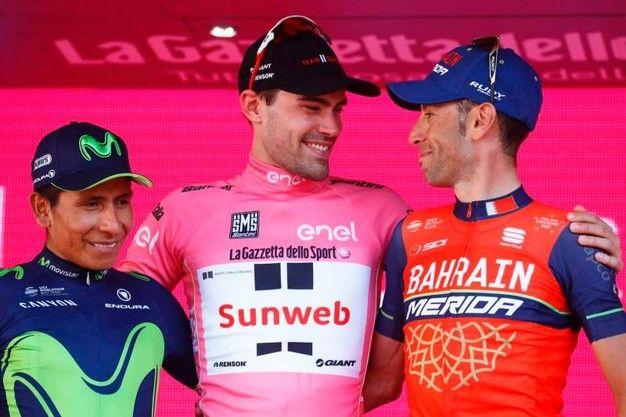 Il  podio:Tom Dumoulin (al centro), Vincenzo Nibali (destra), Nairo Quintana