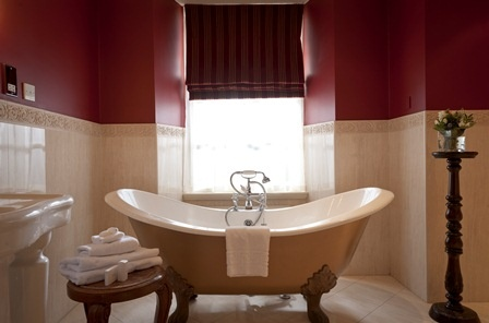 Rolltop #bathtub, perfect for a #romantic #Edinburgh #hotel break. Our butlers will even run the tub for you! Book now at www.thehoward.com