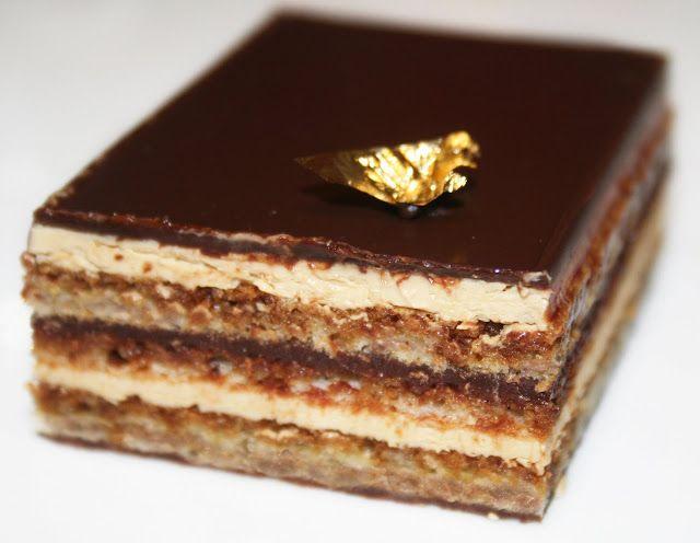 L'Opéra (biscuit Joconde, punch café, crème au beurre café, ganache chocolat, glaçage chocolat)