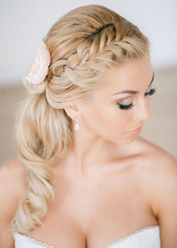 gedrehte Strähne und Zöpfe selber flechten-ideen Braut Mode und Stylings