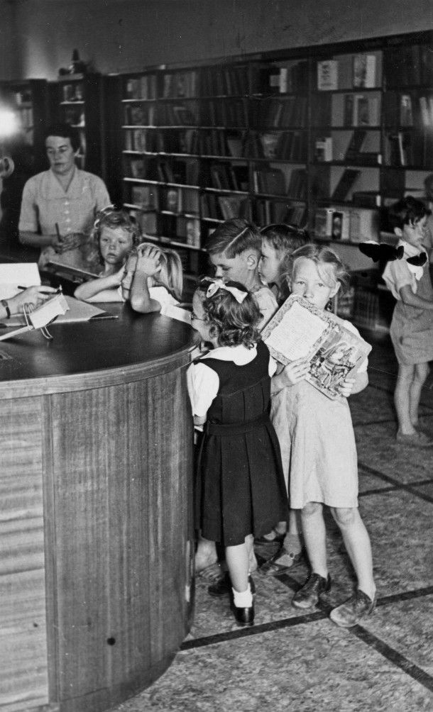 Gosford Library 1951 - vintage - Reading, Libraries, Books and Spaces #curtnerds