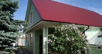 Какой профнастил выбрать для крыши частного дома и дачи