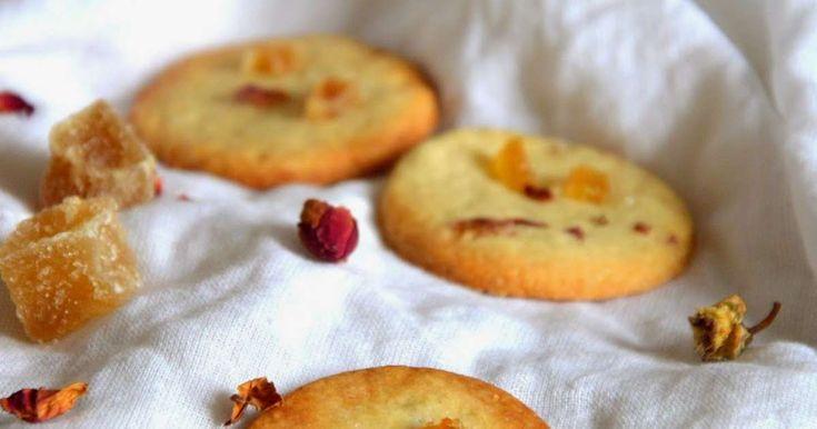 Biscuits à la rose et au gingembre confit. Des petits biscuits très parfumés pour la Saint Valentin. La recette par Petite Cuillère et Charentaises.