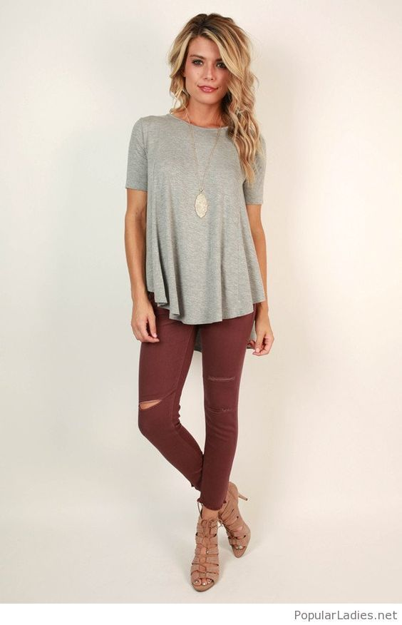 amazing-wine-colored-pants-with-a-grey-tee