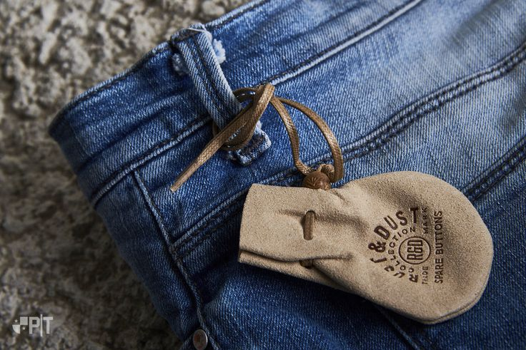 Hang-tag made in Italy by Panama Trimmings #denim #details #vintage #labeling