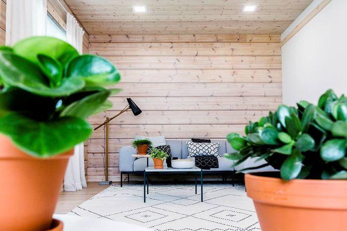 Rauhaa huokuva talo on hatunnosto Suomelle. Katso kuvat Vantaan Sanomien sivulta. http://www.vantaansanomat.fi/artikkeli/297198-rauhaa-huokuva-talo-on-hatunnosto-suomelle-katso-kuvat?utm_source=nettisivu&utm_medium=Pinterest&utm_campaign=Pinterest_asuntomes_020715 #Asuntomessut 2015