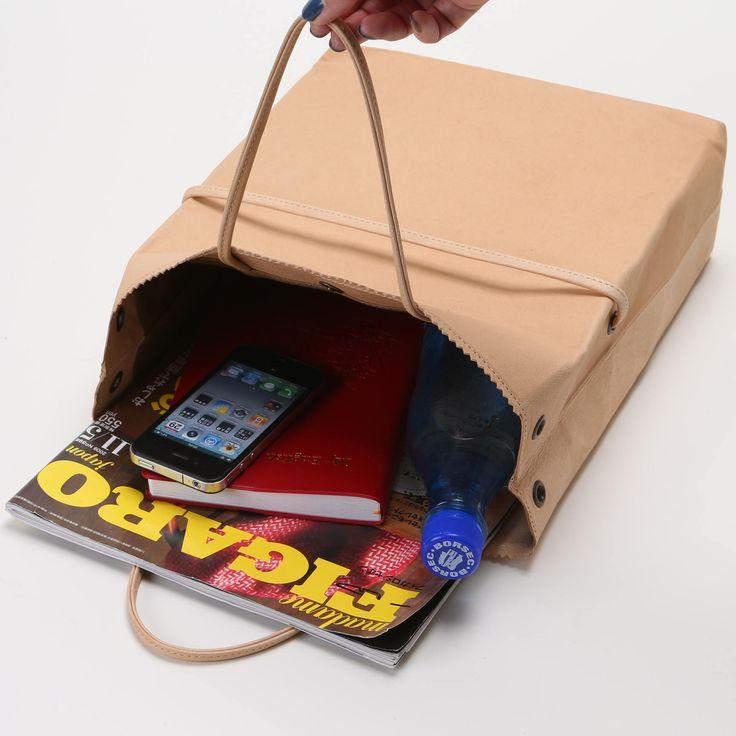 紙袋にしか見えない素朴なデザイン。スタイルストア専属のバイヤーが、6つのこだわりの選定基準で選んだ「Vassel 紙袋型鞄 キャメル」の通信販売ができる紹介ページです。