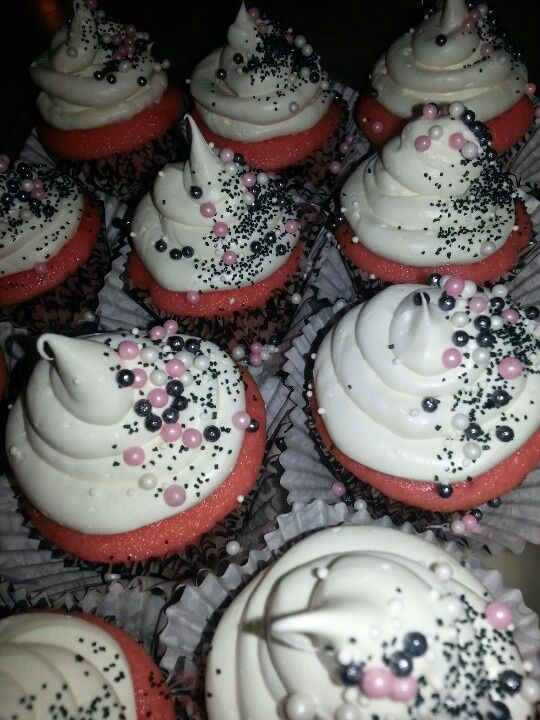 Cupcake Decorating Ideas Pink And Black : pinterest graduation party ideas Graduation Party Ideas ...
