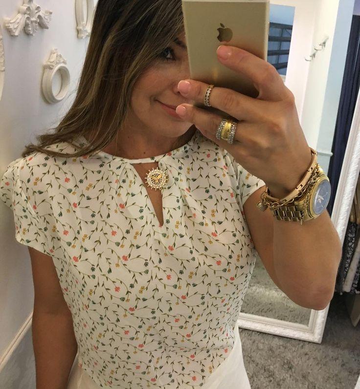 Mais uma das nossas blusas delicadas M G ⚜️VENDEMOS PRA TODO BRASIL ❤️️FAÇA SEU PEDIDO PELO 📲31-995290424⚜️31-999525078 🚚FRETE GRÁTIS ACIMA 400,00 PAGAMENTO: 💳cartões e 💰depósito bancário ⏰Horário de funcionamento: WhatsApp é loja física /seg a sexta 9:00 às 19:00 sábado : 9:00 às 13:00 🌵🌵🌵🌵🌵🌵🎀🎀🎀🎀🎀🎀🎀🎀🎀🎀🎀🎀🎀🎀⚜️⚜️⚜️⚜️⚜️⚜️⚜️⚜️⚜️⚜️⚜️⚜️⚜️⚜️🎠🎠🎠🎠🎠🎠🎠🎠🎠🎠🎠🎠🎠🎠#moda#roupa#look#blusa#life#amo#moda#barropreto#belohorizonte…