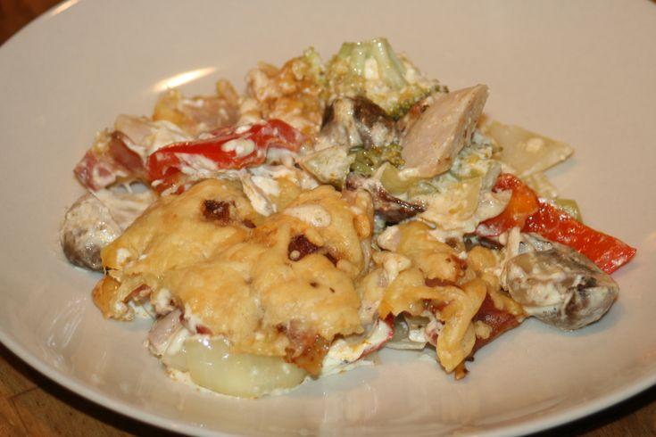 Lättlagad kyckling-och grönsaksgratäng med bacon och ost – Alla goda ting