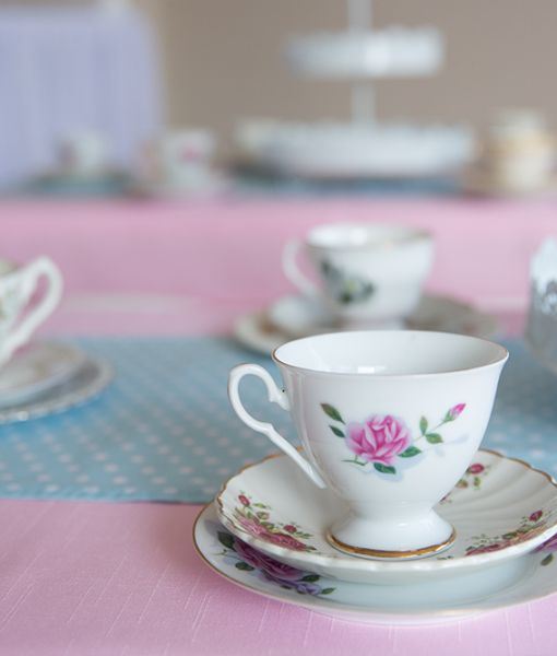I just adore this gorgeous vintage teaparty theme from Party by Design.