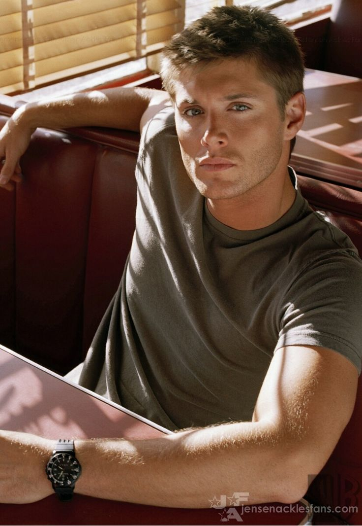 Holy heck! I- I- um, wow. I can't breathe... Um, JENSEN ACKLES, everyone, jeez, you really need to tone the hotness down, I mean, is it getting hot in here?