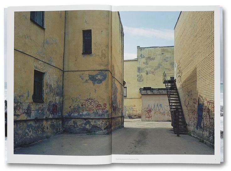 photoq-bookshop-nature-politics-thomas-struth-2.jpg (1264×938)