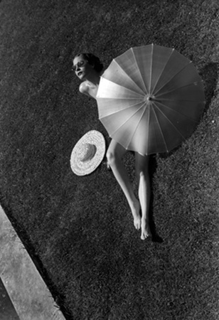 Martin Munkacsi (rotated anti-clockwise) - Nude with Parasol, 1935.