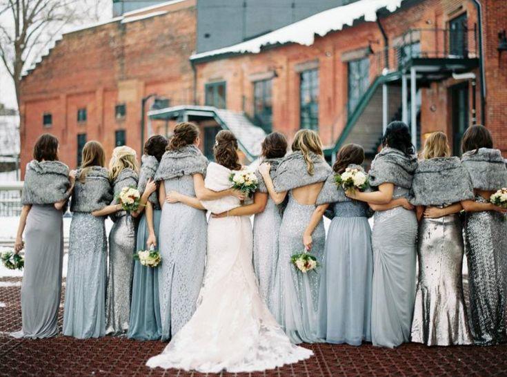 Ihr habt vor eine Winter-Hochzeit zu feiern? Die Jahreszeit, in der es draußen kalt und – hoffentlich! - weiß wird, findet ihr besonders romantisch? Wir auch!  Deswegen zeigen wir euch im dritten Teil unserer Serie Inspirationen rund um das Thema Winter-Hochzeit.