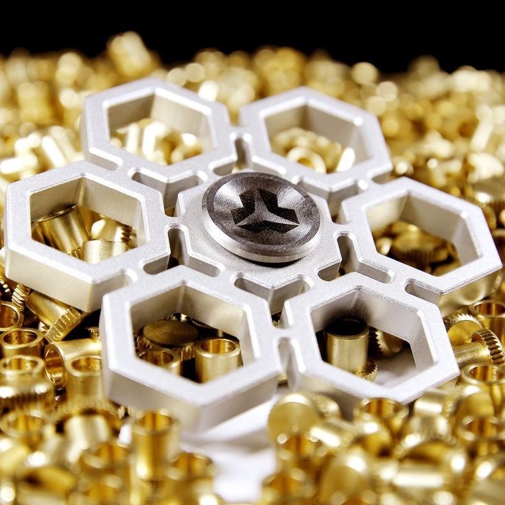 Yomaxer Fidget Spinner Snowflake Shape Aluminum alloy Material EDC Focus Toy(YmxS8)