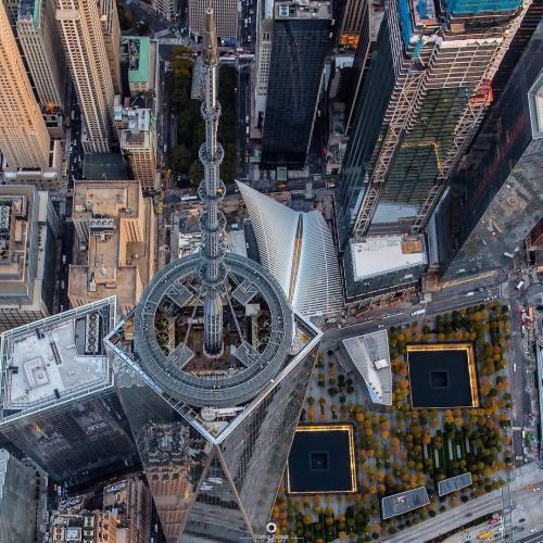 9/11 Memorial by @vikvik7 @wingsairheli - New York City Feelings