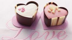 Toll zum Verschenken: Herz-Pralinen | http://eatsmarter.de/rezepte/herz-pralinen