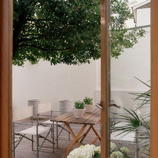 Opt for a low maintenance look | Create a small town garden | Small garden | Garden design | PHOTO GALLERY | Housetohome