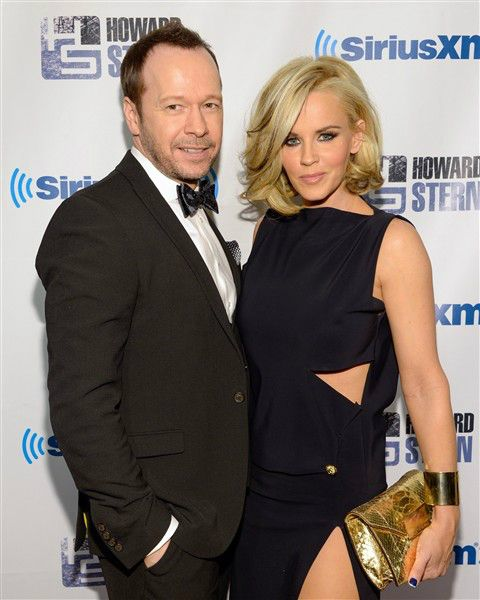 Jenny McCarthy poses in bikini bottoms with Donnie Wahlberg | Story | Wonderwall