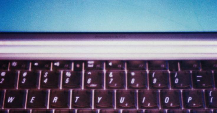 ¿Cómo habilitar la cámara web en mi computadora portátil Acer Mini?. Si la cámara de tu computadora portátil Acer Mini o de cualquier otra computadora está deshabilitada, puedes habilitarla a través del Administrador de dispositivos de Windows. Este administrador permite realizar las funciones a diferentes tipos de hardware conectado a tu computadora, incluida la cámara web, la unidad de CD o DVD, el ratón y el ...