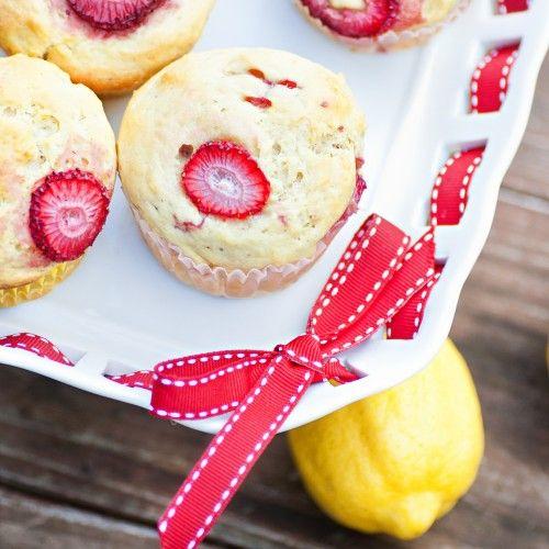 Lemon-filled Strawberry Muffins: Strawberry Muffins, Sweet Treats, Bread, Vegan Muffins, Filled Strawberries, Lemon Filled Strawberry
