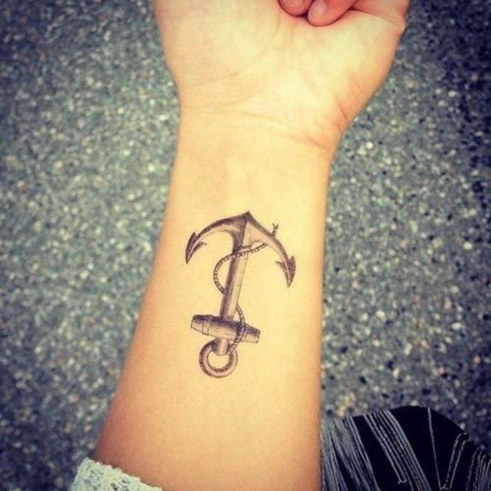 unterarm tattoo idee frauen anker