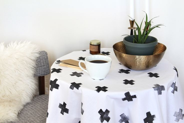 Learn how to make this Scandinavian tablecloth with an organic Swiss cross pattern - you'll be surprised by what vegetable you'll need to use!