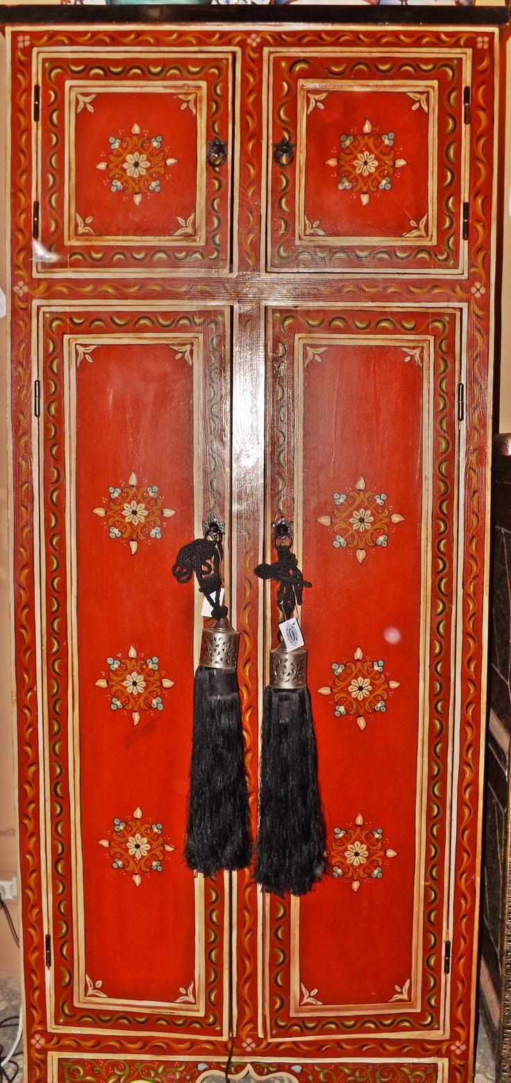Armario pintado a mano decoracion by tarecos pinterest - Armarios pintados a mano ...