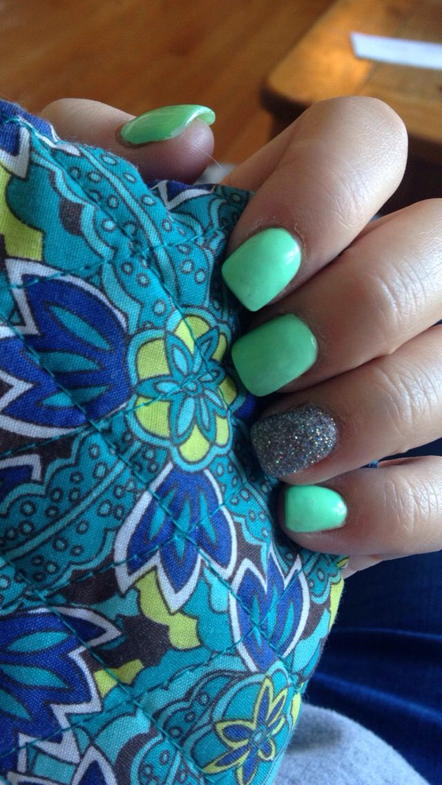 Acrylic nails for summer