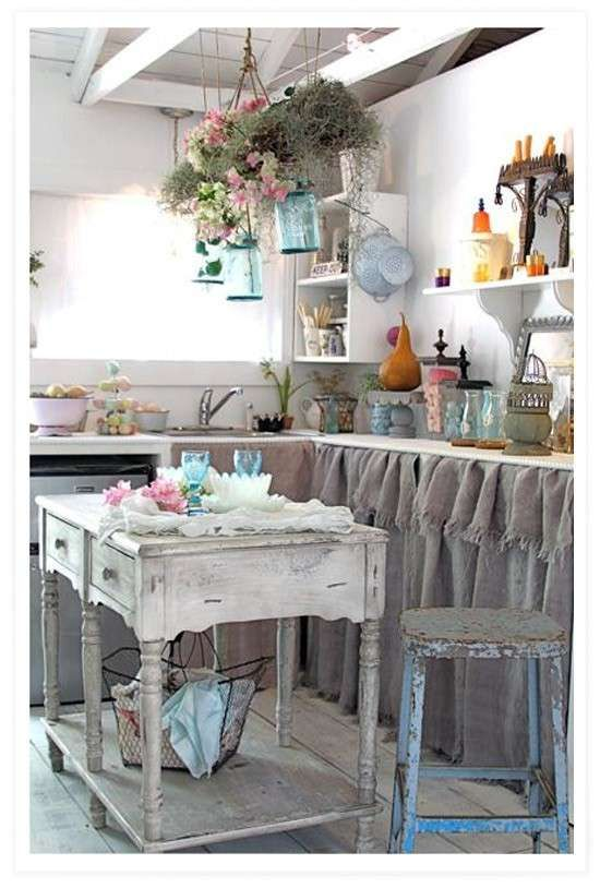 See more of potì arredamenti on facebook. Arredare Una Cucina In Stile Shabby Chic Tendine Come Ante Shabby Chic Kitchen Decor Chic Kitchen Decor Chabby Chic Kitchen