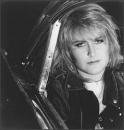 Alison Moyet - love the amazing voice of this woman
