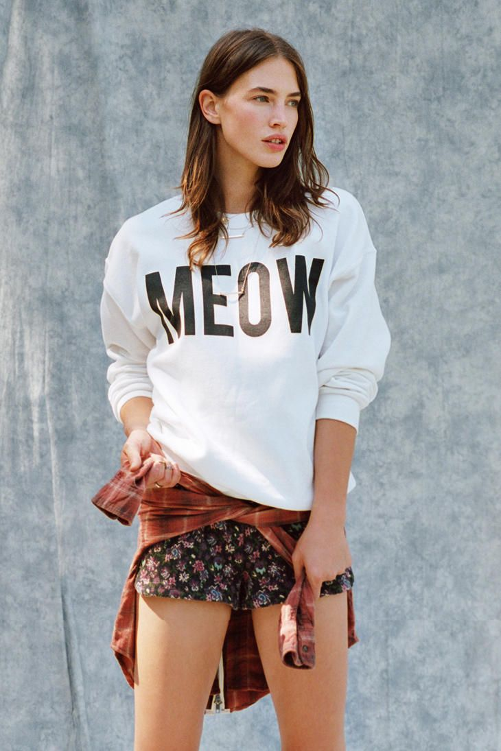 Meow sweatshirt fashion pinterest for Lucky cat shirt urban outfitters