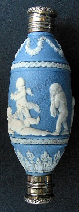 RARE ANTIQUE & VINTAGE SCENT PERFUME BOTTLES: c.1800 WEDGWOOD BLUE JASPER DOUBLE END SCENT PERFUME BOTTLE WITH FRENCH SILVER GILT TOPS. To visit my website click here: http://www.richardhoppe.co.uk or for help or information email us here: info@richardhoppe.co.uk